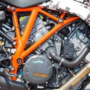 MW-1290-KTM-SuperDuke-GT-6