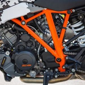 MW-1290-KTM-SuperDuke-GT-7