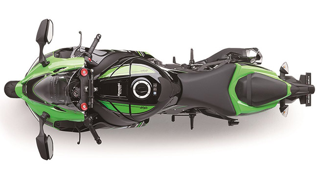 MW ZX10R 2016 10 - ยลโฉมซามูไรโหด แรง ดิบ Kawasaki  ZX-10R 2016 มาพร้อมสเป็คแบบตูมๆ - สิ้นสุดการรอคอยเสียที เมื่อคาวาซากิ ได้เปิดตัว แซดเอ็กซ์ 10 อาร์ (ZX-10R) 2016
