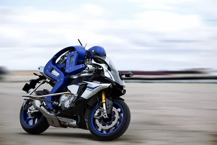 Yamaha เปิดตัว MOTOBOT หุ่นยนต์ขี่รถมอเตอร์ไซต์สุดอัจฉริยะ | MOTOWISH 4