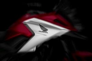 Motowish bid bike honda nc750x 2016 3 web 300x200 - ยลโฉม Honda NC750X 2016 ครั้งแรก - ใกล้ถึงงานโตเกียวมอเตอร์โชว์ในสัปดาห์หน้าแล้ว ค่ายฮอนด้ามีแผนเปิดตัว NC750X ที่มีการเปลี่ยนรูปโฉมใหม่ และใส่รายละเอียดให้ตัวรถมากขึ้น