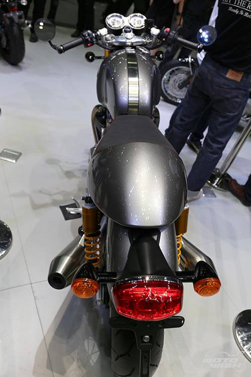 MotoWish-Bigbike-Triumph-ThruxtonR-2