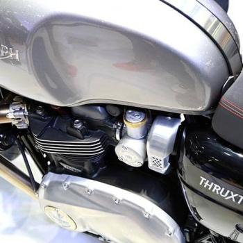 MotoWish-Bigbike-Triumph-ThruxtonR-4