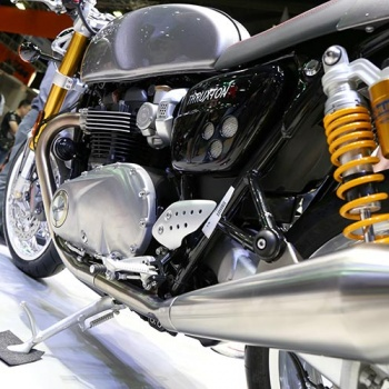 MotoWish-Bigbike-Triumph-ThruxtonR-6