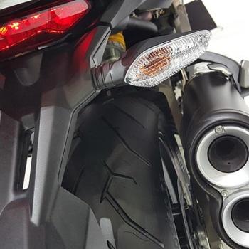 MotoWish-bigbike-Ducati-Monster-821-4
