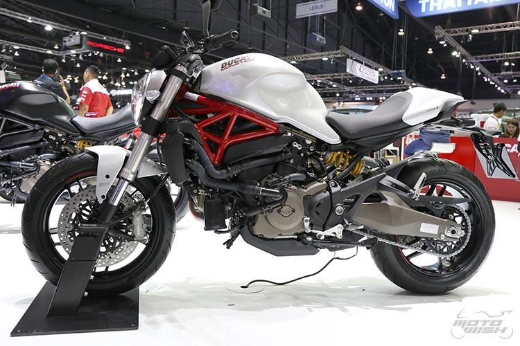 MotoWish-bigbike-Ducati-Monster-821