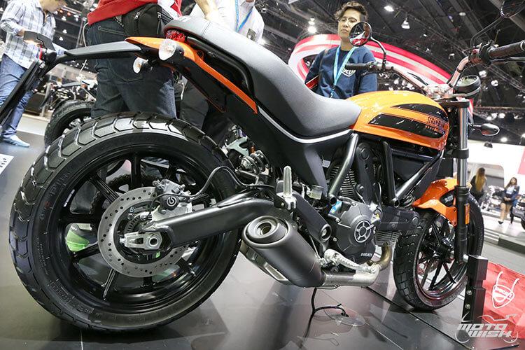 สายชิค สายชิล ห้ามพลาด ตัวจริงเสียงจริง Ducati Scrambler Sixty2 เครื่องยนต์ใหม่ 400 ซีซี (Motor Expo 2015)   MOTOWISH 106
