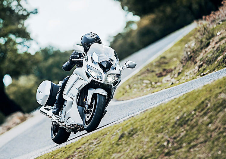 Motowish-bigbike-yamaha-FJR1300-4