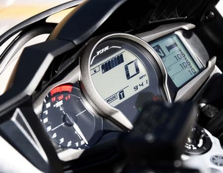 Motowish-bigbike-yamaha-FJR1300-7