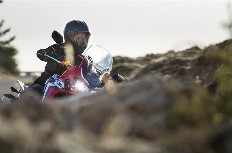 motowish bigbike CRF1000L Africa Twin 1 - Honda Africa Twin เปิดราคาแล้วในอังกฤษ ลองมาเทียบเคียงกับการขายในไทยดูไหม? - ฮอนด้าเปิดราคาจำหน่าย Honda Africa Twin ในสหราชอาณาจักรแล้วทั้งสองรุ่น