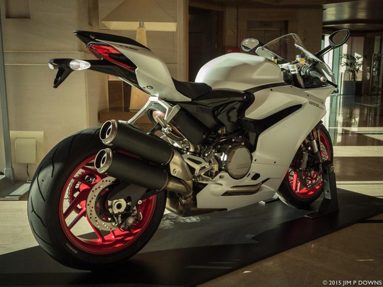 ไปดูกัน มีอะไรใหม่บ้างใน Ducati 959 Panigale 2016 | MOTOWISH 107