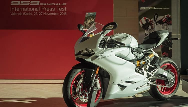 motowish-bigbike-Ducati-959-test-5