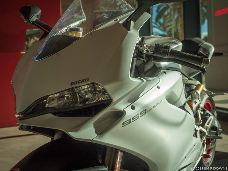 ไปดูกัน มีอะไรใหม่บ้างใน Ducati 959 Panigale 2016 | MOTOWISH 105