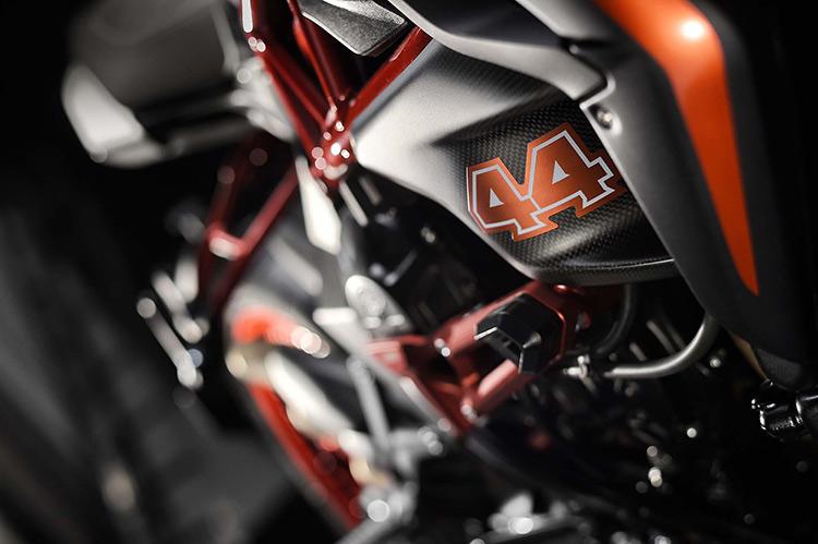 motowish-bigbike-Lewis-Hamilton-MV-Agusta-Dragster-RR-LH44-17