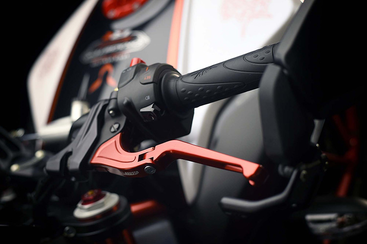 motowish-bigbike-Lewis-Hamilton-MV-Agusta-Dragster-RR-LH44-2