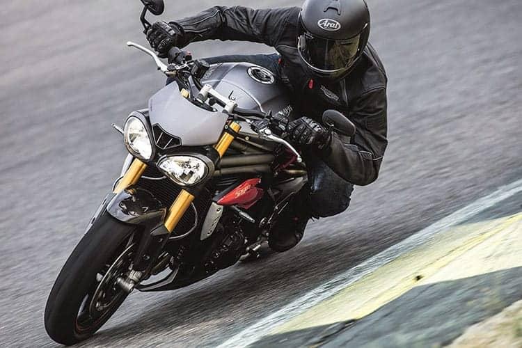 Triumph เปิดตัว Speed Triple S และ Speed Triple R ใหม่ | MOTOWISH 94