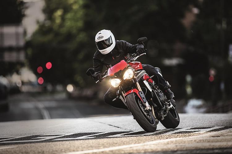 motowish-bigbike-triumph-SpeedTriple