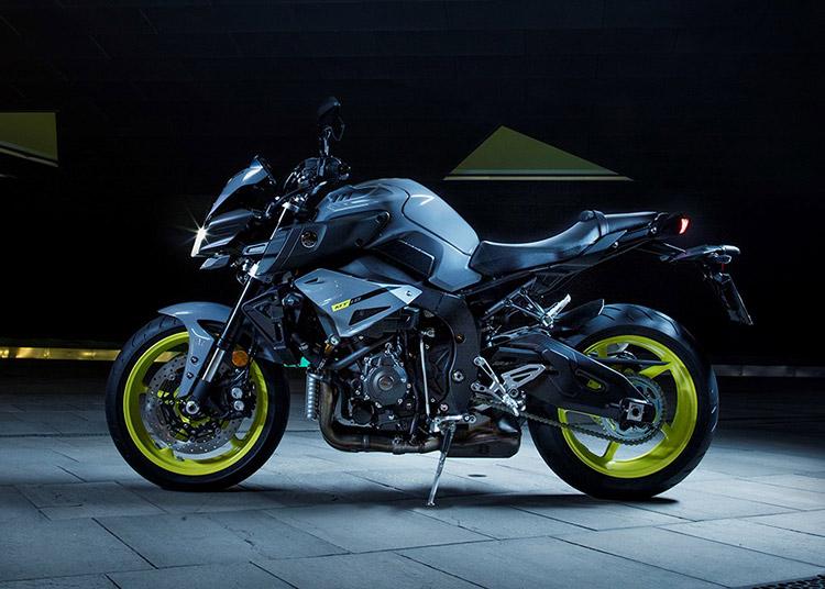 motowish bigbike yamaha MT10 11 - Yamaha ปล่อย MT-10 ซุปเปอร์เน็คเก็ตคลาส 1000 ลงตะบี้ตะบันกับผองเพื่อน (EICMA 2015) - ปล่อยให้ค่ายอื่นวาดลีลาสร้างชื่อกับรถเน็คเก็ตตัว 1000 ไว้มากมาย ถึงเวลาที่ Yamaha กระโดดร่วมวงส่ง MT-10 ลงฟาดฟัน
