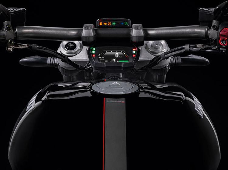 Ducati ฉีกกฎ เปิดตัว XDiavel รถคันยักษ์พลังขับสายพาน (EICMA 2015)   MOTOWISH 42