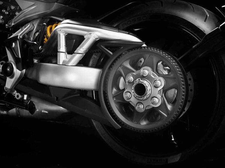 Ducati ฉีกกฎ เปิดตัว XDiavel รถคันยักษ์พลังขับสายพาน (EICMA 2015)   MOTOWISH 43