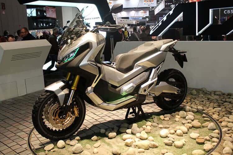 Honda Adventure Scooter กำลังจะมาในปี 2017 | MOTOWISH 93