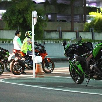 MotoWish-Kawasaki-Night-Course-27