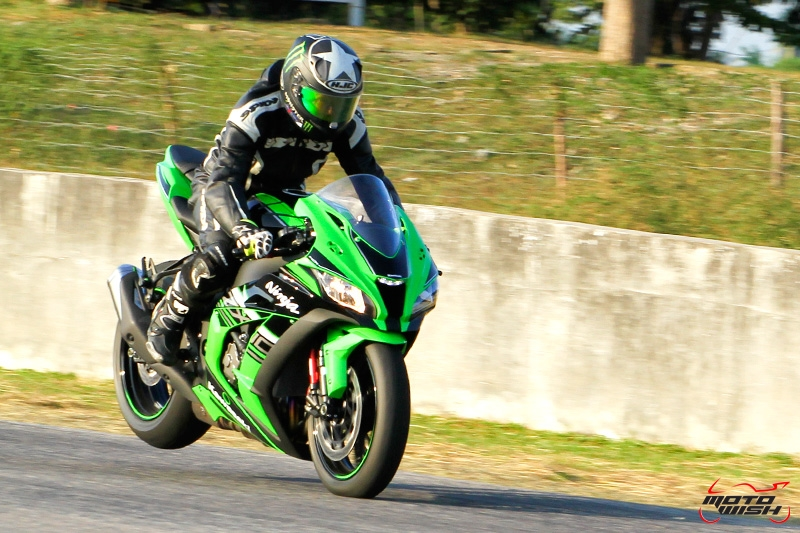 Review-ZX10R-2016-MotoWish3