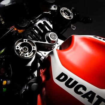 Ducati เปิดตัวม้าศึกลำใหม่ Desmosedici GP16 สวย โหด เนี๊ยบ | MOTOWISH 49