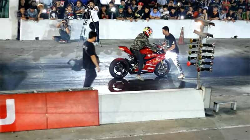 มาดูคู่ไฟว้ระหว่าง Ducati 1299S แบทเทิลกับ Honda Sonic ใครจะอยู่ใครจะไป !!! | MOTOWISH 93