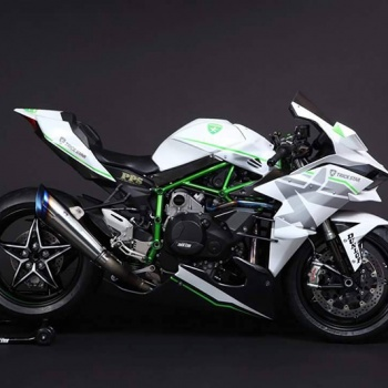 Kawasaki H2R Trickstar สุดโหด กด 385 กิโลเมตร/ชั่วโมง   MOTOWISH 76