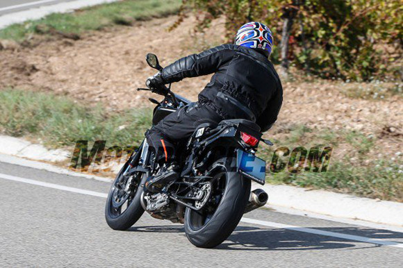 motowish-spy-photos-ktm-890-duke-2