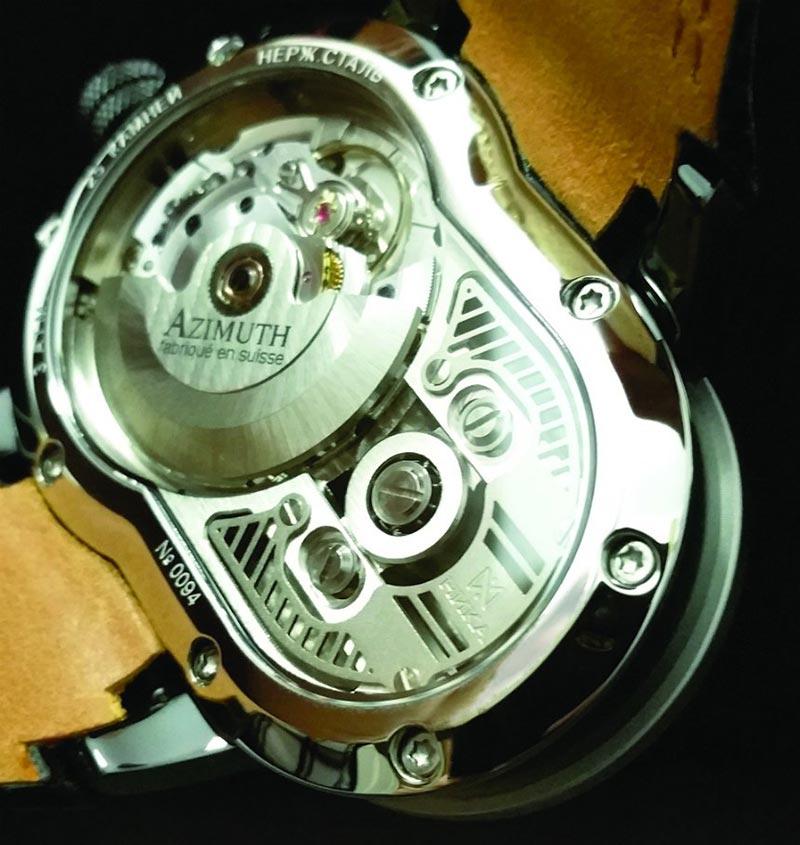 web motowish Azimuth SP 1 Crazy Rider 2 - Azimuth SP-1 Crazy Rider นาฬิกาสุดว๊าว ที่ทำมาเอาใจไบค์เกอร์ - ถ้าพูดถึงของรักของชอบของชายหนุ่มคงหนีไม่พ้นเรื่องเครื่องยนต์กลไลอย่างรถยนต์ หรือจักรยานยนต์เป็นแน่ แต่มีอีกสิ่งที่ถือว่าเป็นเครื่องประดับชิ้นเอกของชายหนุ่มก็คือ นาฬิกา