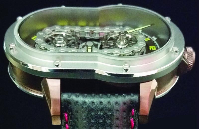 web motowish Azimuth SP 1 Crazy Rider - Azimuth SP-1 Crazy Rider นาฬิกาสุดว๊าว ที่ทำมาเอาใจไบค์เกอร์ - ถ้าพูดถึงของรักของชอบของชายหนุ่มคงหนีไม่พ้นเรื่องเครื่องยนต์กลไลอย่างรถยนต์ หรือจักรยานยนต์เป็นแน่ แต่มีอีกสิ่งที่ถือว่าเป็นเครื่องประดับชิ้นเอกของชายหนุ่มก็คือ นาฬิกา