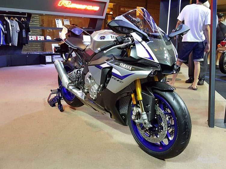 Yamaha อีกหนึ่งบูธที่ขาดไม่ได้ ขนรถมาเต็ม พกกิจกรรมมาเพียบ (BMF 2016) | MOTOWISH 95