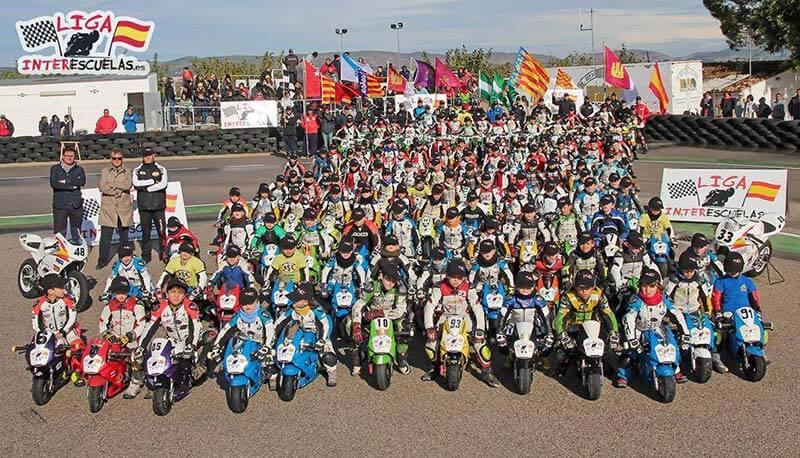 หลักสูตรเรียนเรสซิ่งแบบคอร์เค ลอเรนโซ่ แชมป์โลก MotoGP #99   MOTOWISH 106