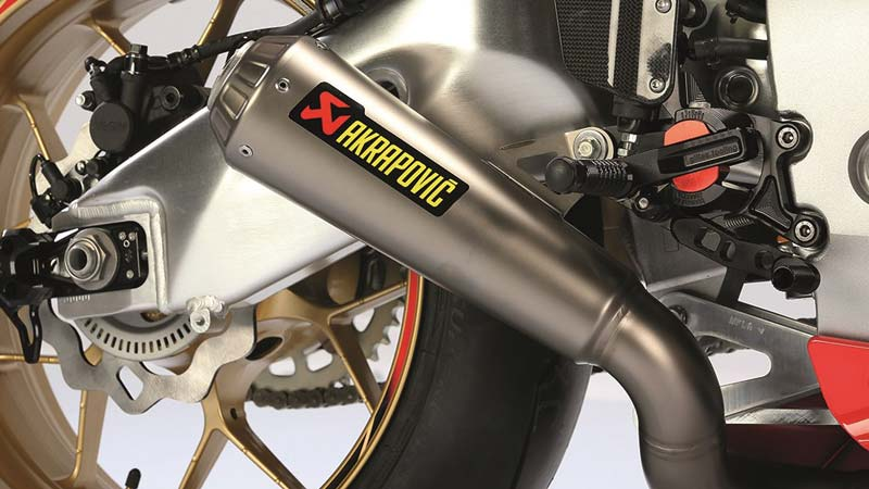 Honda ปล่อย CBR1000RR Special Edition ใหม่ ถึง 2 รุ่น (TT Special & Black Edition)   MOTOWISH 93