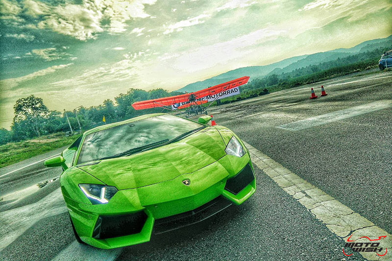 BMW S1000RR VS Lamborghini Aventador LP 700-4 คู่ Drag หยุดโลกแห่งปี #ที่นี่ประเทศไทย | MOTOWISH 102