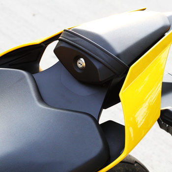 MotoWIsh-Yamaha-R1-60th-2015-19