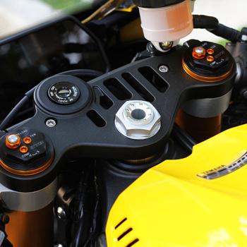 MotoWIsh-Yamaha-R1-60th-2015-44