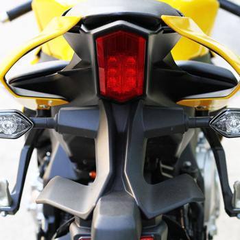 MotoWIsh-Yamaha-R1-60th-2015-51