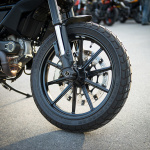 ตะลุยกลางเมืองไปกับ Ducati Scrambler Sixty2 VS ICON มีความแนว มีความเท่ห์ !!! | MOTOWISH 53