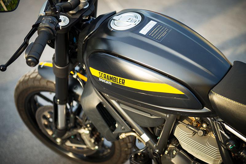 ตะลุยกลางเมืองไปกับ Ducati Scrambler Sixty2 VS ICON มีความแนว มีความเท่ห์ !!! | MOTOWISH 55