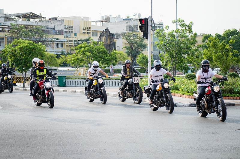 ตะลุยกลางเมืองไปกับ Ducati Scrambler Sixty2 VS ICON มีความแนว มีความเท่ห์ !!! | MOTOWISH 59