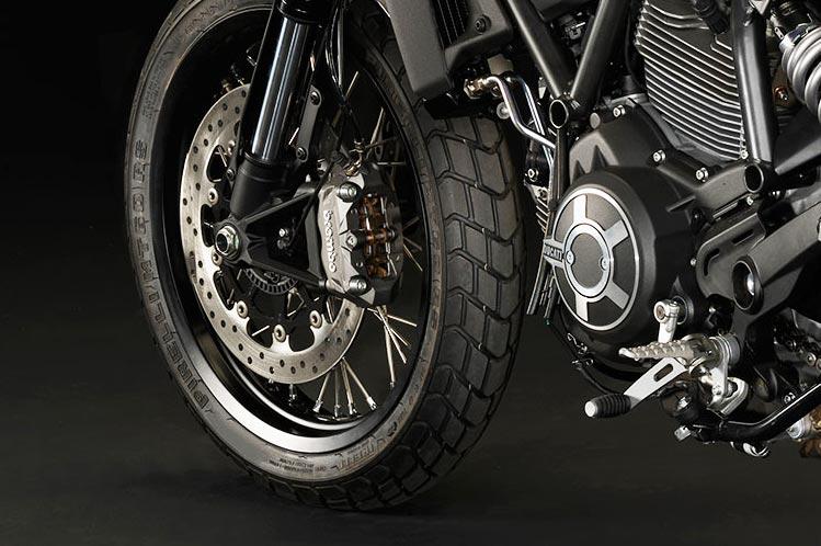 ตะลุยกลางเมืองไปกับ Ducati Scrambler Sixty2 VS ICON มีความแนว มีความเท่ห์ !!! | MOTOWISH 71