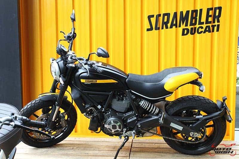 MotoWish Ducati Scrambler Icon 5 - ตะลุยกลางเมืองไปกับ Ducati Scrambler Sixty2 VS ICON มีความแนว มีความเท่ห์ !!! - ฤกษ์งามยามดีกับทีมงาน MotoWish ได้รับเกียรติจากทาง Ducati Thailand สำนักงานใหญ่ สาขาวิภาวดี ให้เราได้ร่วมออกทริปและทำการทดสอบ ทดลองขี่รถแนวๆเท่ห์ๆอย่าง Ducati Scrambler SIXTY2 399 cc. และ Scrambler ICON 803 cc. สองพิกัดซีซีสายเลือดเดียวกัน