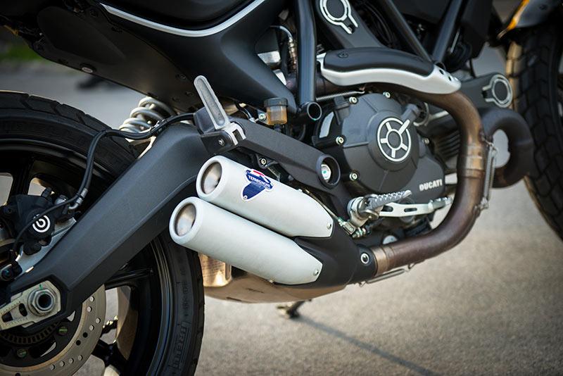 ตะลุยกลางเมืองไปกับ Ducati Scrambler Sixty2 VS ICON มีความแนว มีความเท่ห์ !!! | MOTOWISH 49