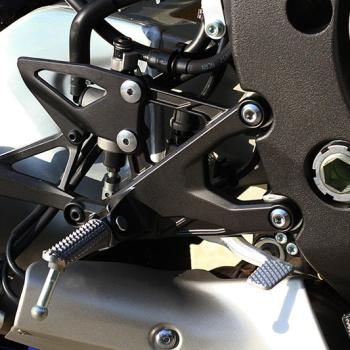 MotoWish-Yamaha-R1M-2016-17