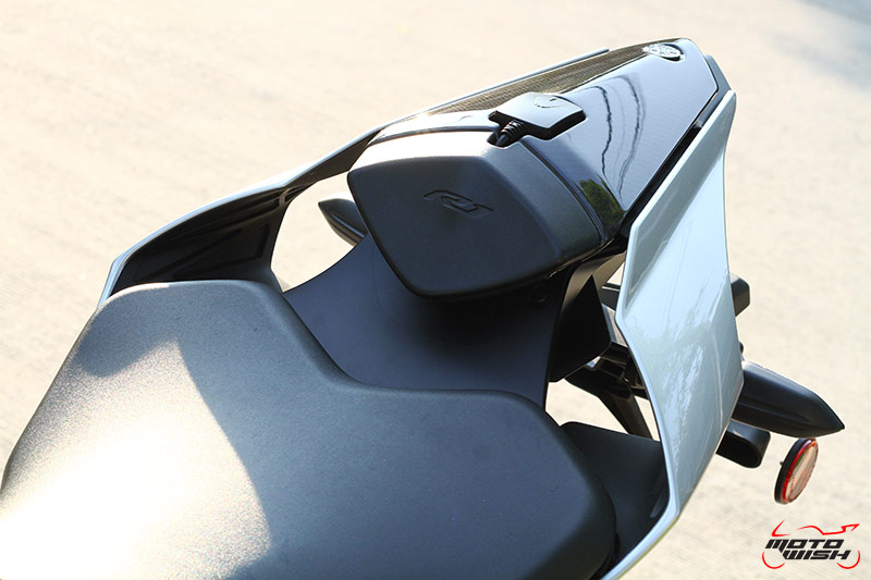 Review : Yamaha YZF-R1M VS R1 60th Anniversary Edition ครั้งแรกในไทย | MOTOWISH 202