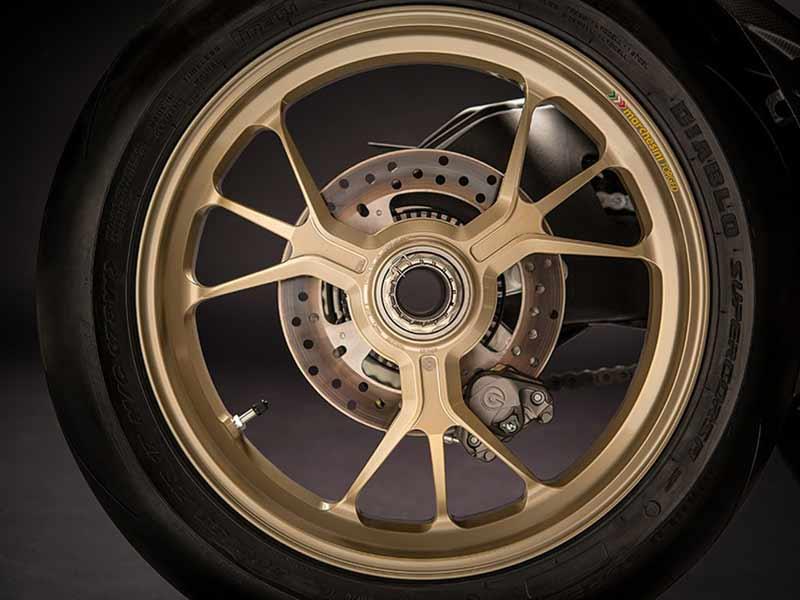 เปิดตัวแล้ว!! Ducati 1299 Panigale S Anniversario รถสุดลิมิเต็ดฉลอง 90 ปีดูคาติ | MOTOWISH 25