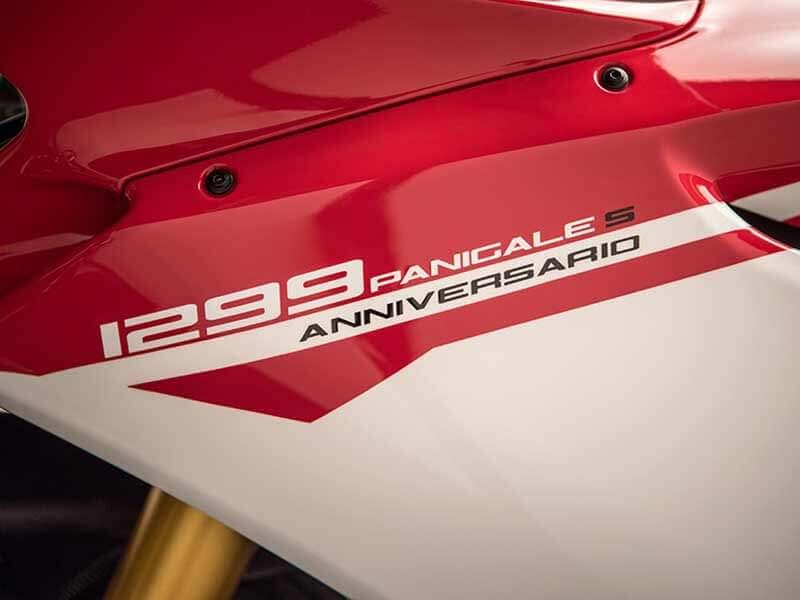 เปิดตัวแล้ว!! Ducati 1299 Panigale S Anniversario รถสุดลิมิเต็ดฉลอง 90 ปีดูคาติ | MOTOWISH 30